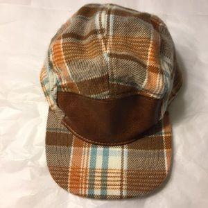 🛍3 for $9🛍 Tan plaid & faux leather cap NWOT